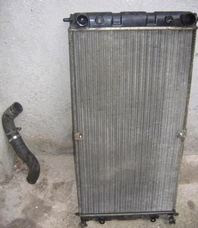 Радиатор Шевроле Нива, как и. радиатор suzuki.  Перед тем, как снять электровентиляторы, необходимо слить тосол и...